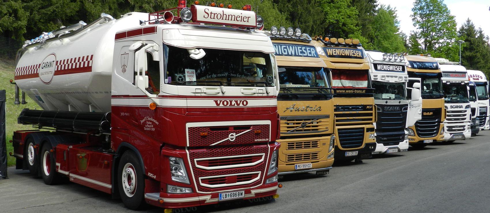 http://www.lkw-thorsten.eu/wp-content/uploads/2017/05/Lkw-Thorsten_Lkw-Fotos_Lkw-Infos_Lkw-Thorsten_TV_Spielberg_Truck_Race_Trophy.jpg